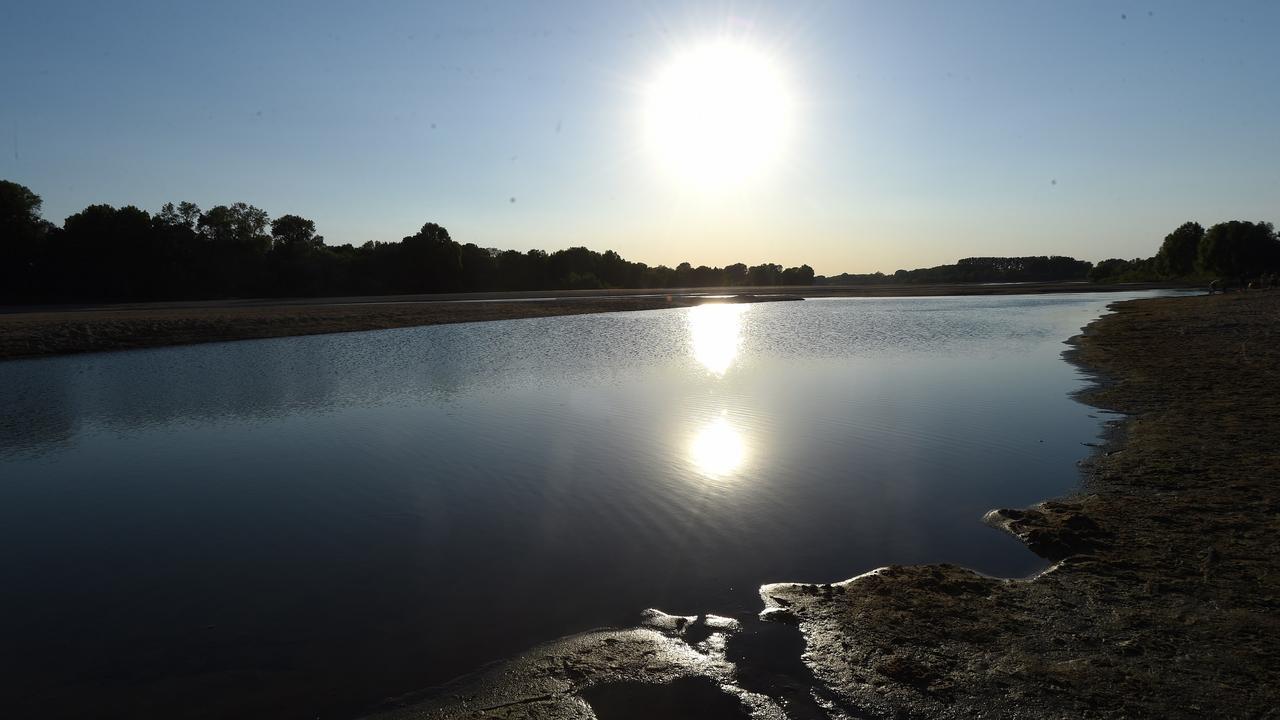 EN DIRECT - Canicule: plusieurs records de chaleur battus dans l'ouest, jusqu'à 42 ° C en Charente